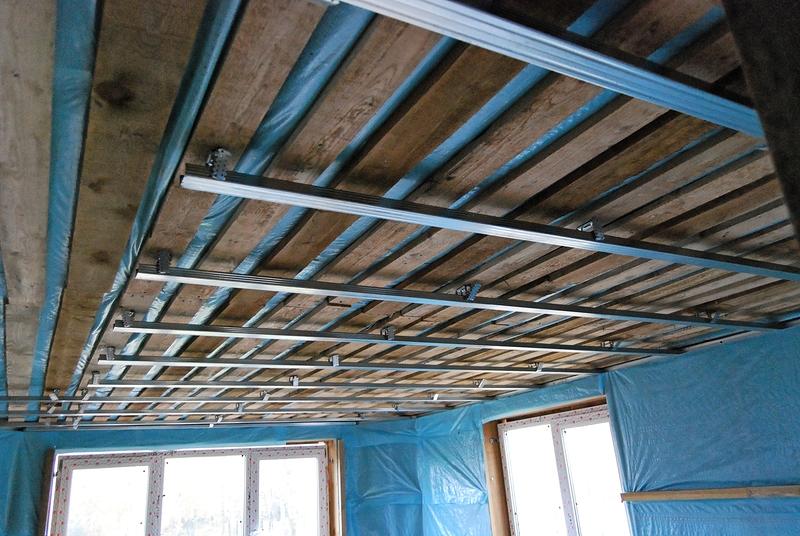 Как сделать потолок каркасного дома своими руками